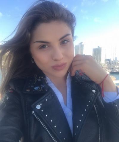 Alyona aus Ukraine