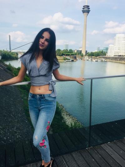 Aleksandra aus Russland