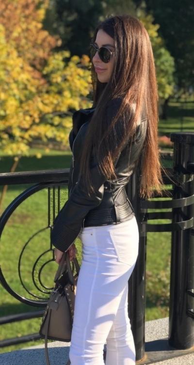 Angelina aus Ukraine