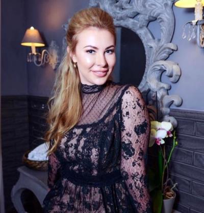 Polina aus Russland