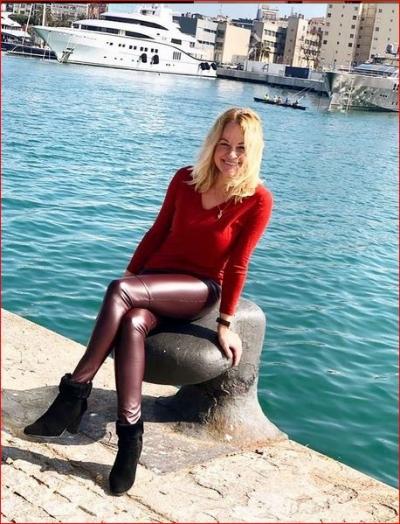 Nadezhda aus Deutschland